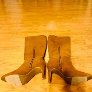 CLASSIC CAMEL tall heeled boots 👢 7